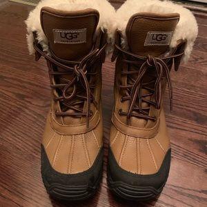 UGG Adirondack  boots size 9. Authentic